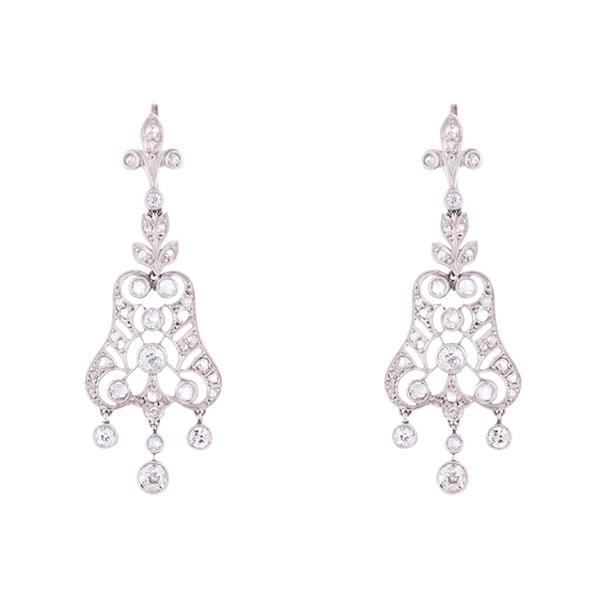 Pendientes Art Decó de oro blanco montados con diamantes